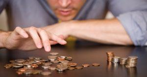 ¿Quién debe pagar los tributos de los préstamos?